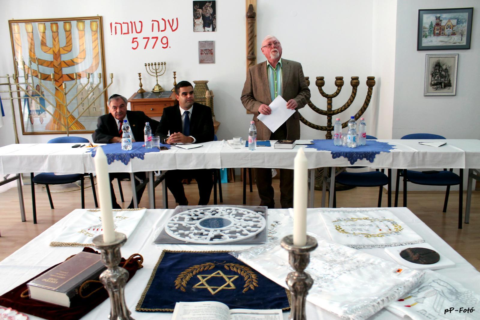 A zsidó újévet ünnepelték - ZalaMédia - A helyi érték 457f88cc4b